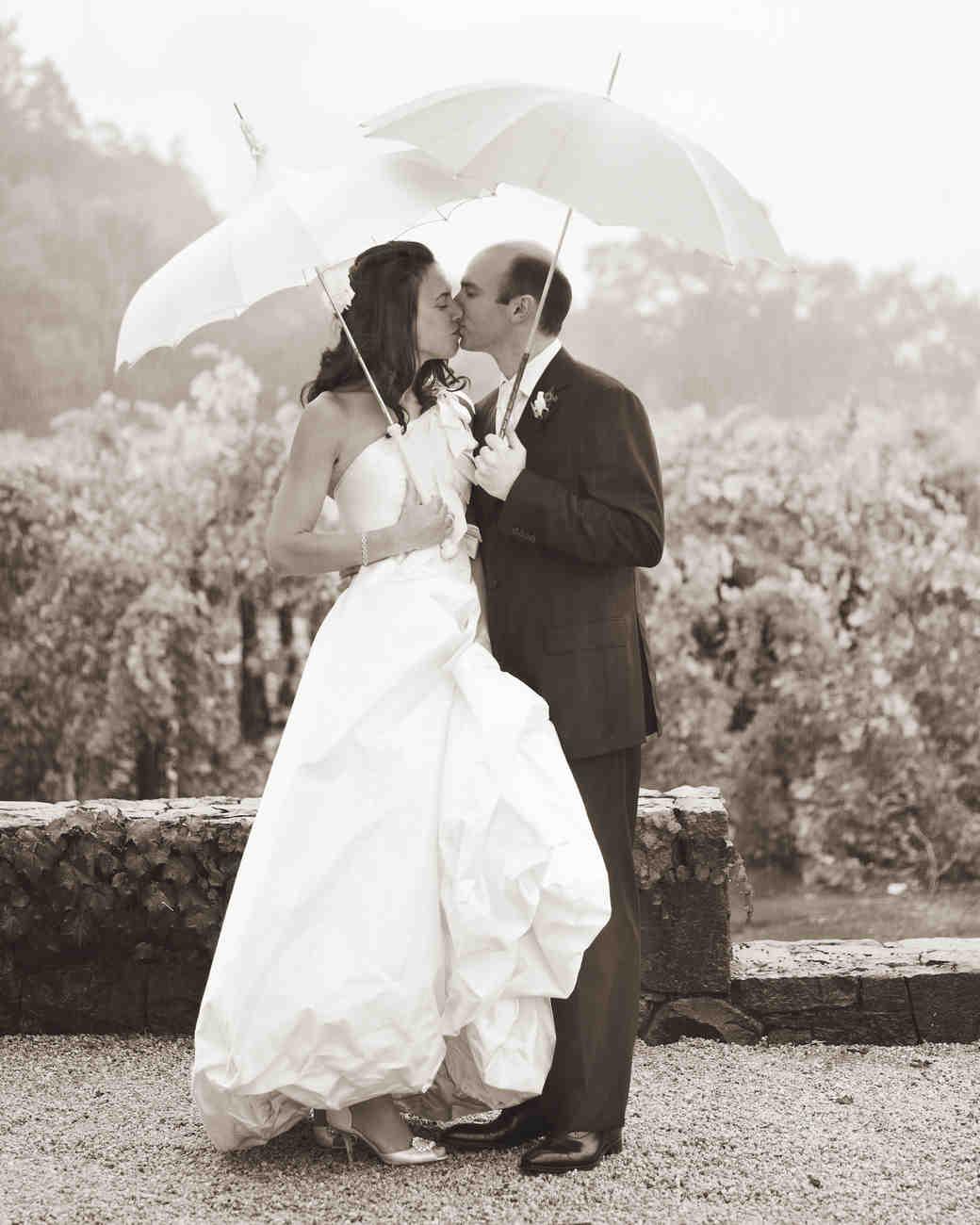 bride-groom-2s06c04-007269-bw-mld104516.jpg