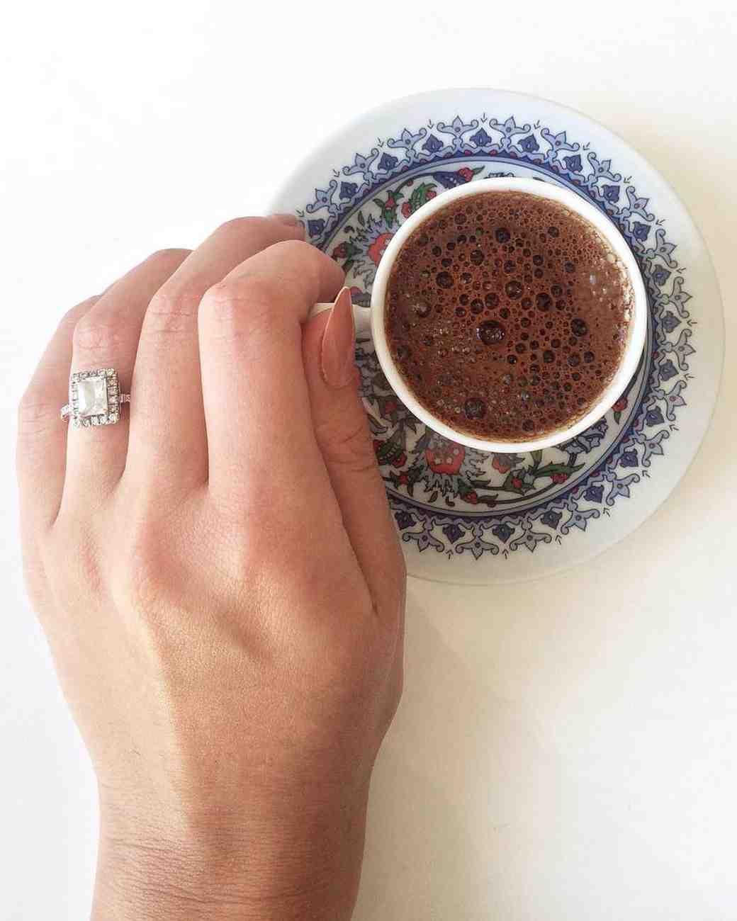 engagement-ring-selfies-coffee-cup-0216.jpg
