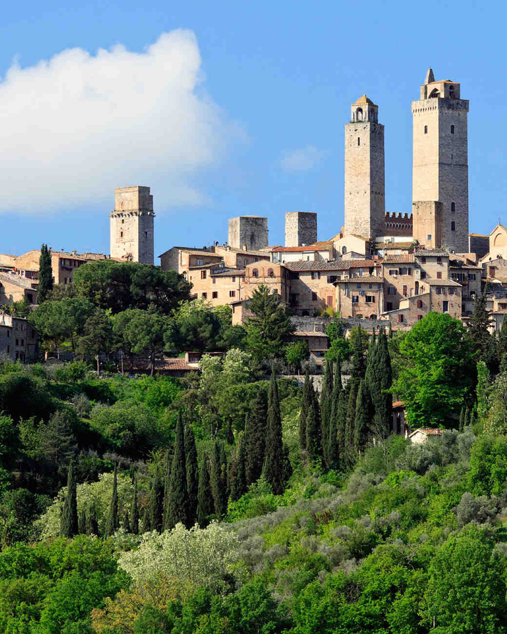 romantic place italy san gimignano