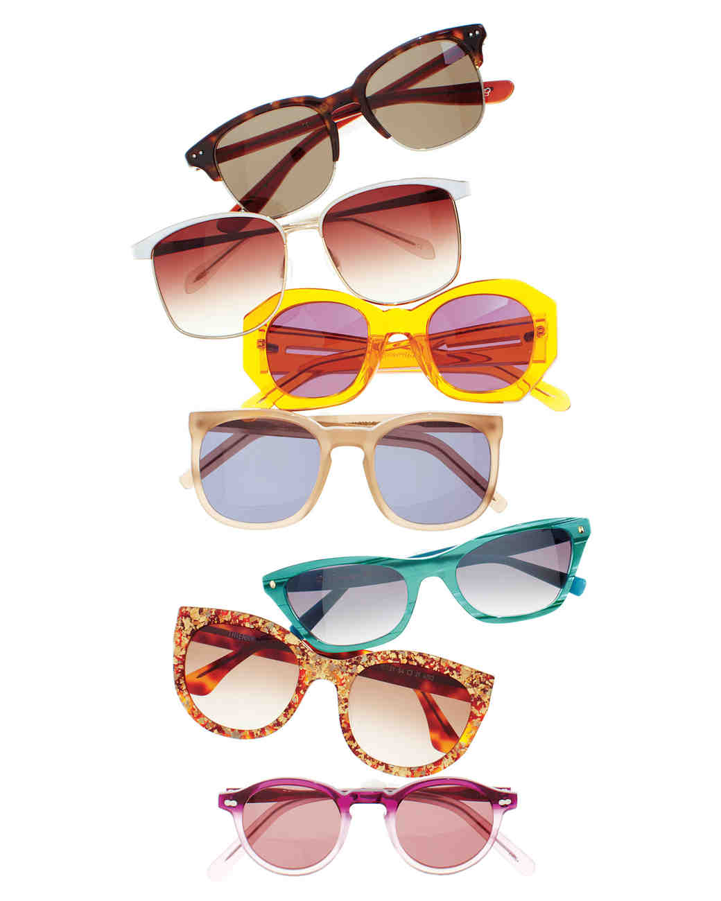 travel-accessories-sunglasses-mwd107604.jpg