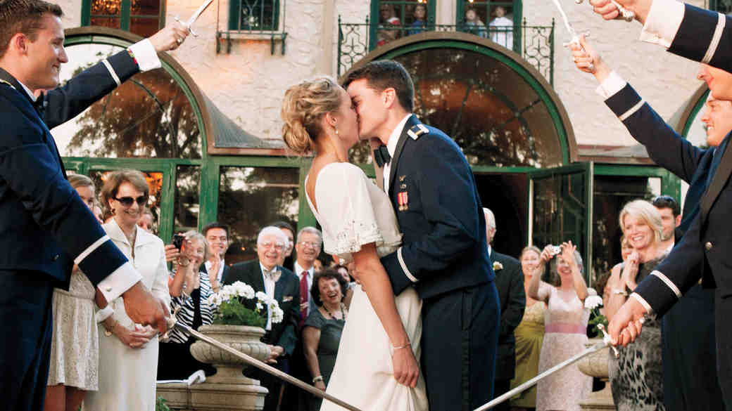 5 Ways to Honor Your Military Bride or Groom on Your Wedding Day