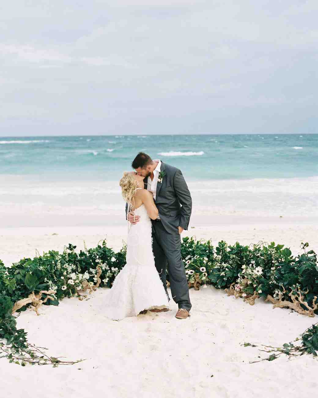 51 beautiful ideas from beach weddings martha stewart for Ideas for wedding pictures