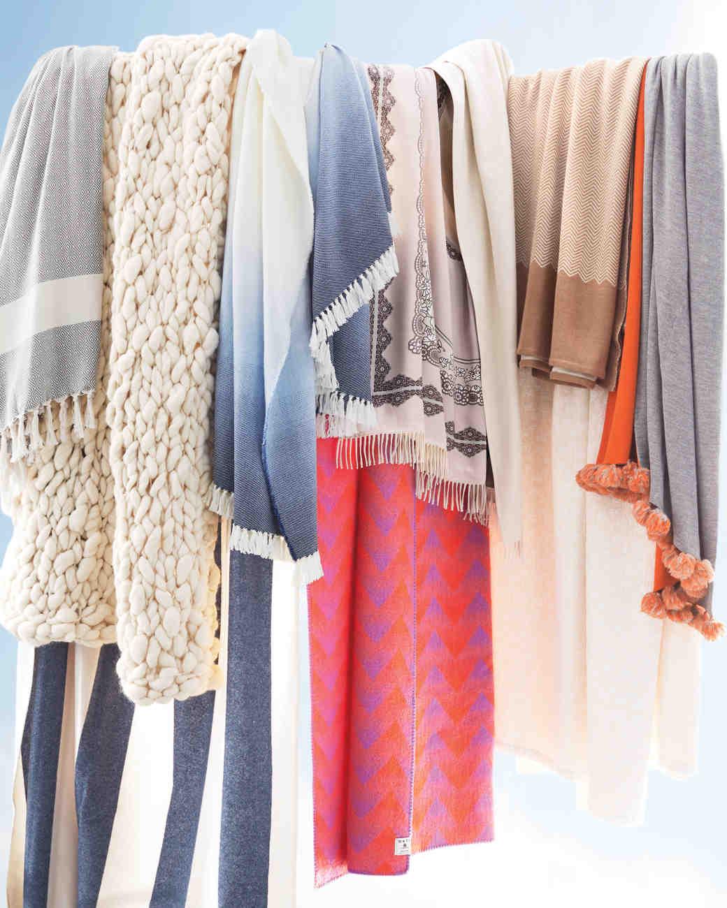 bedding-throws-blankets-026-d111040-comp.jpg