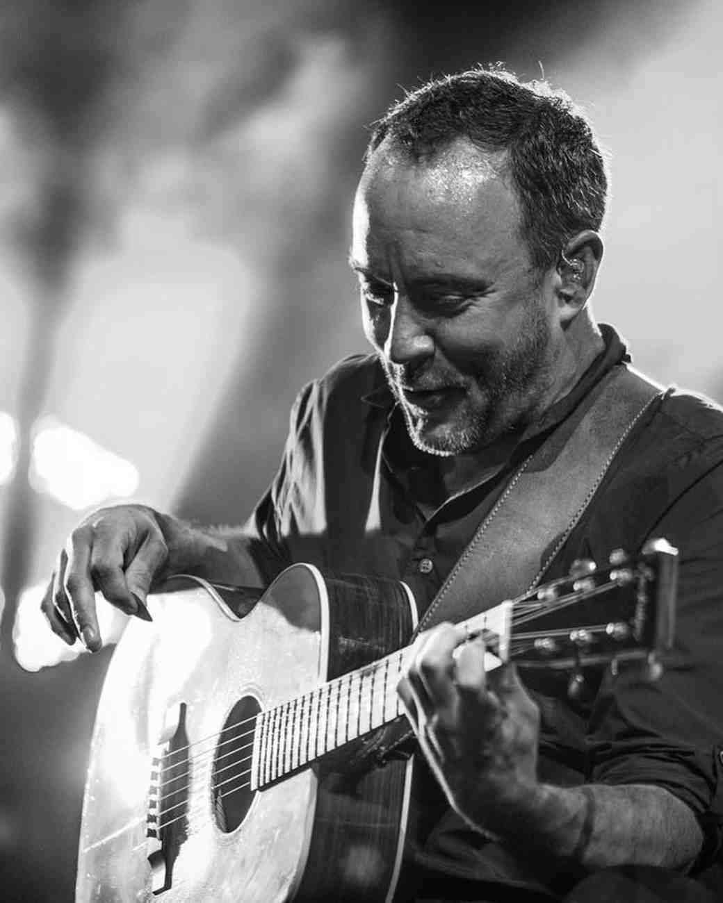 Dave Matthews acoustic performance