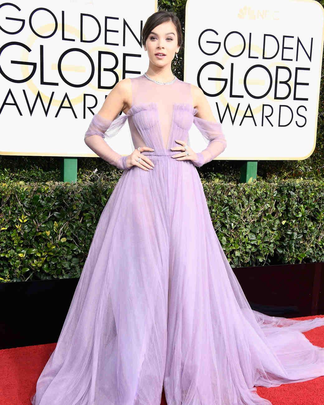 Hailee Steinfeld Golden Globes 2017