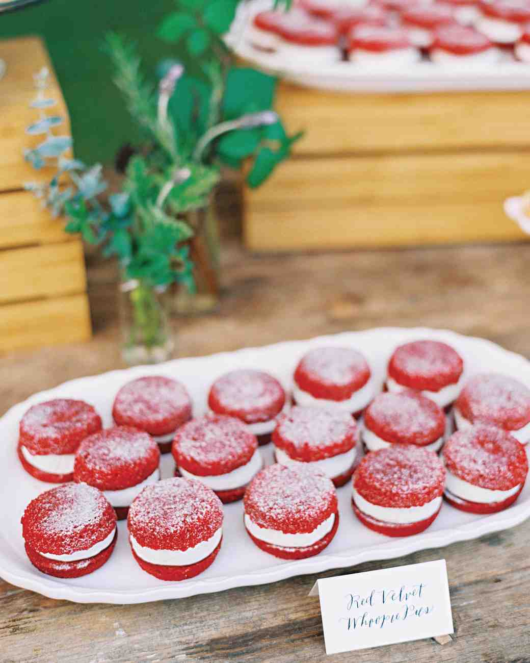 josh-matt-real-wedding-dessert-macaroons.jpg