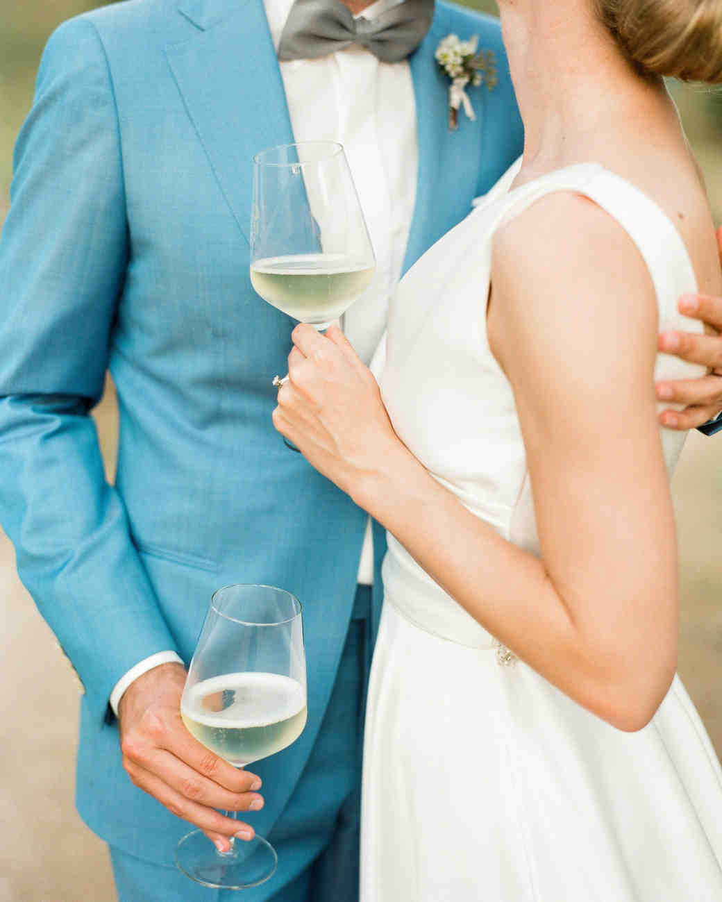 5 Tips for Choosing Your Wedding Wine