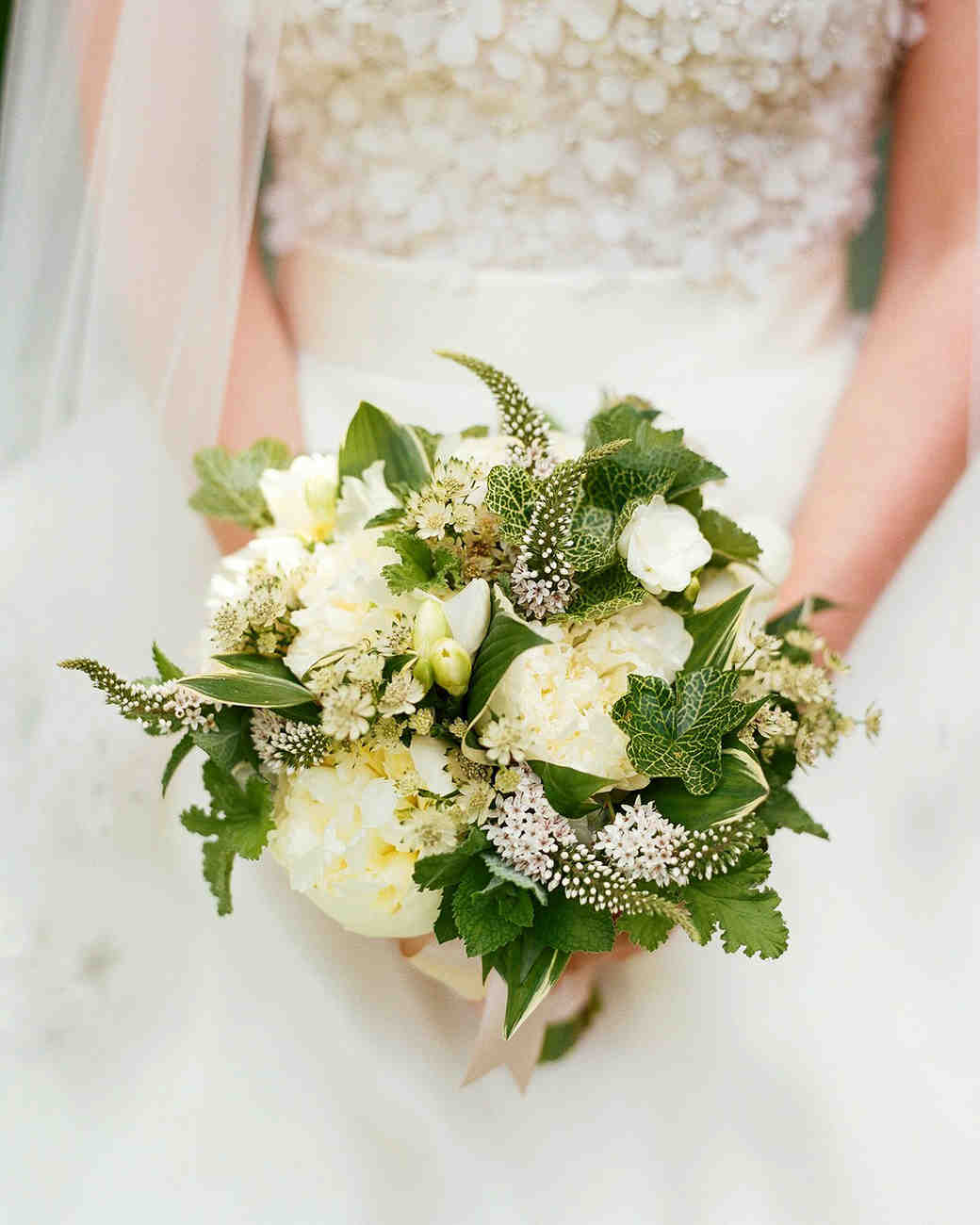 caroline kyle wedding bouquet