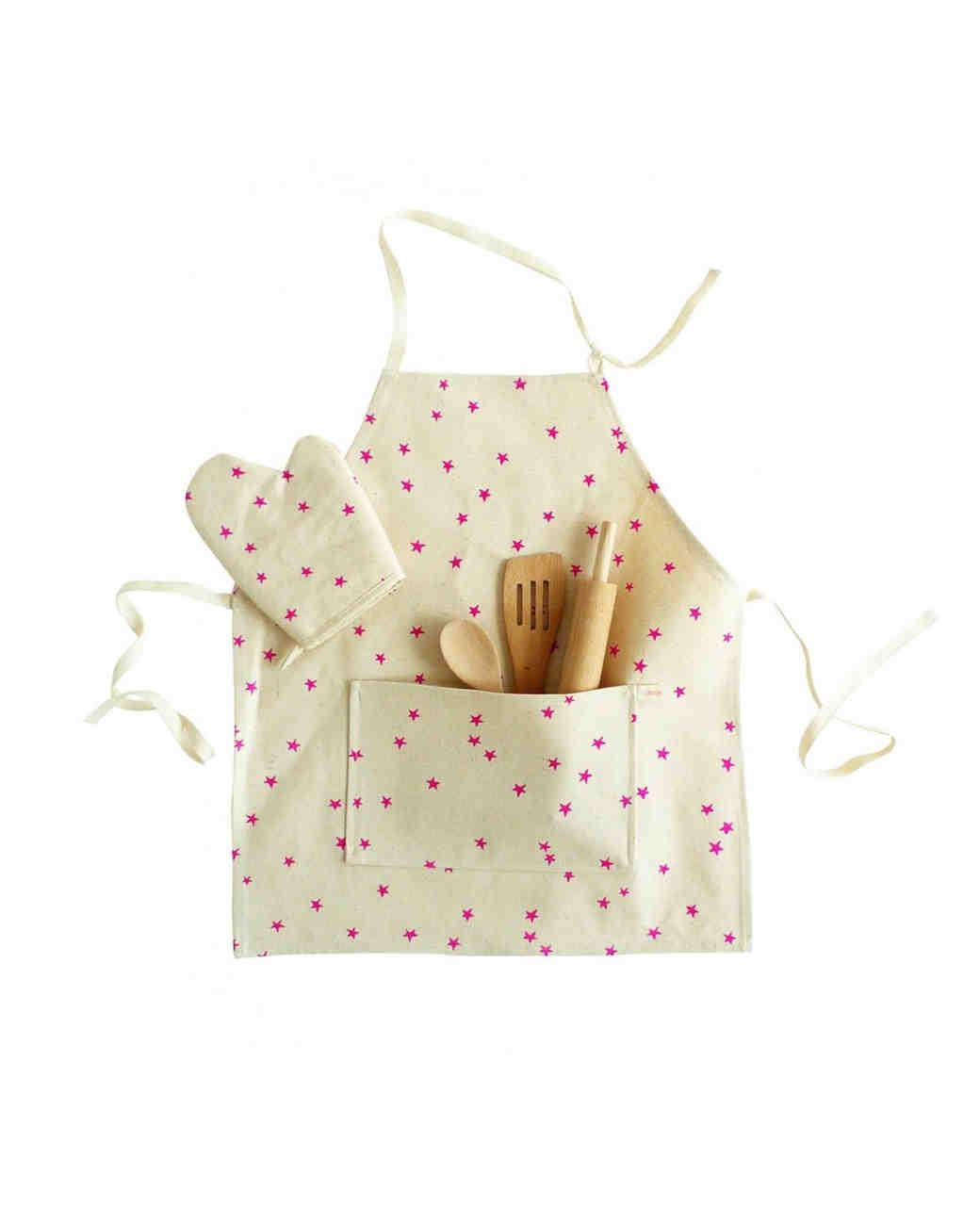 holiday-gift-guide-flower-girl-apron-1215.jpg
