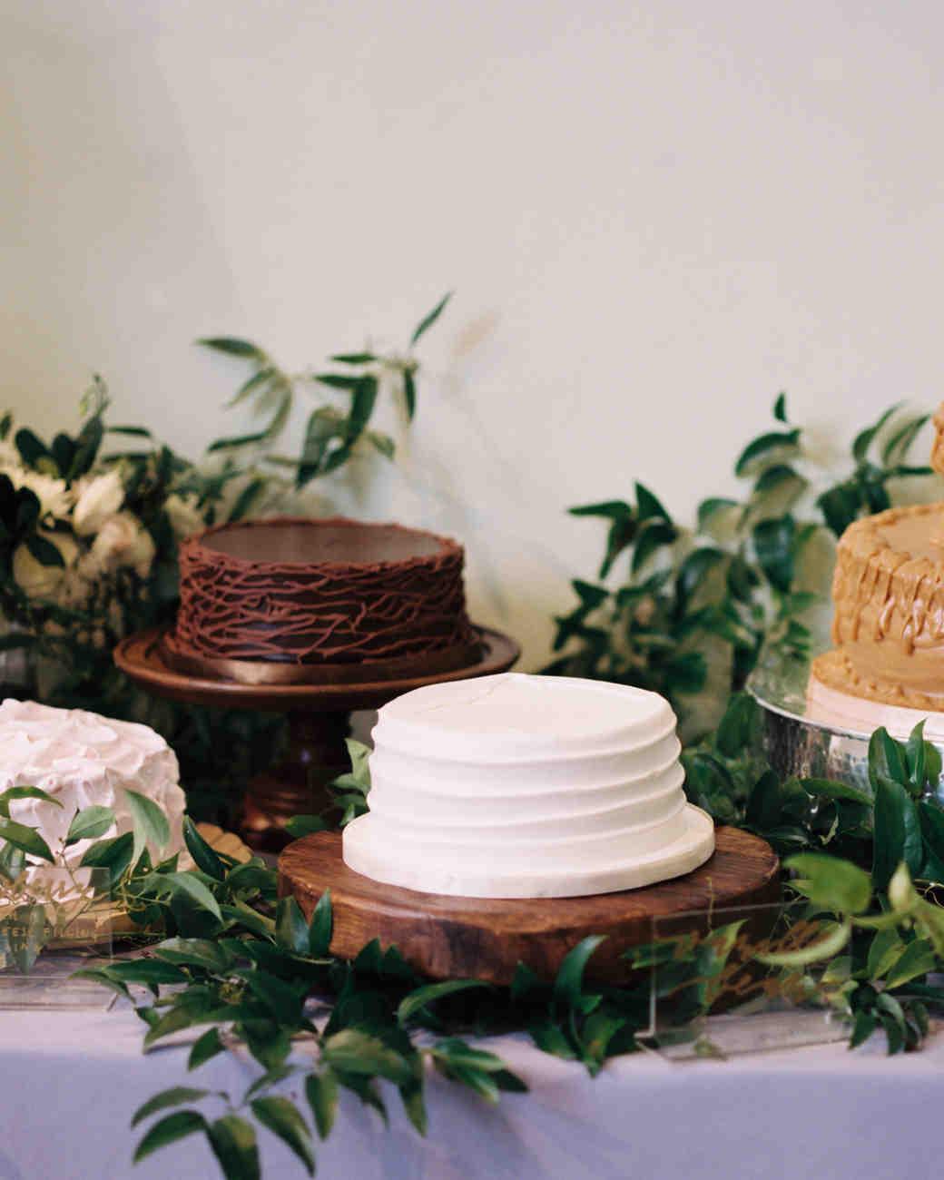 jackie-ross-wedding-cake-087-s111775-0215.jpg
