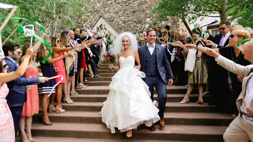 11 Things Wedding Photographers Wish They Could Tell You