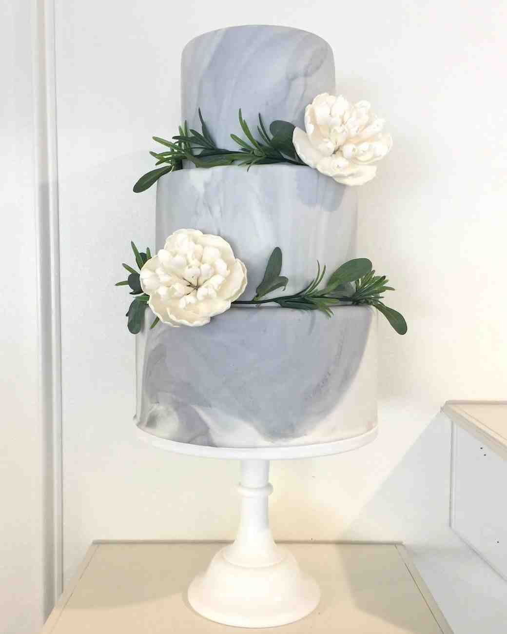 marbled wedding cake with flowers