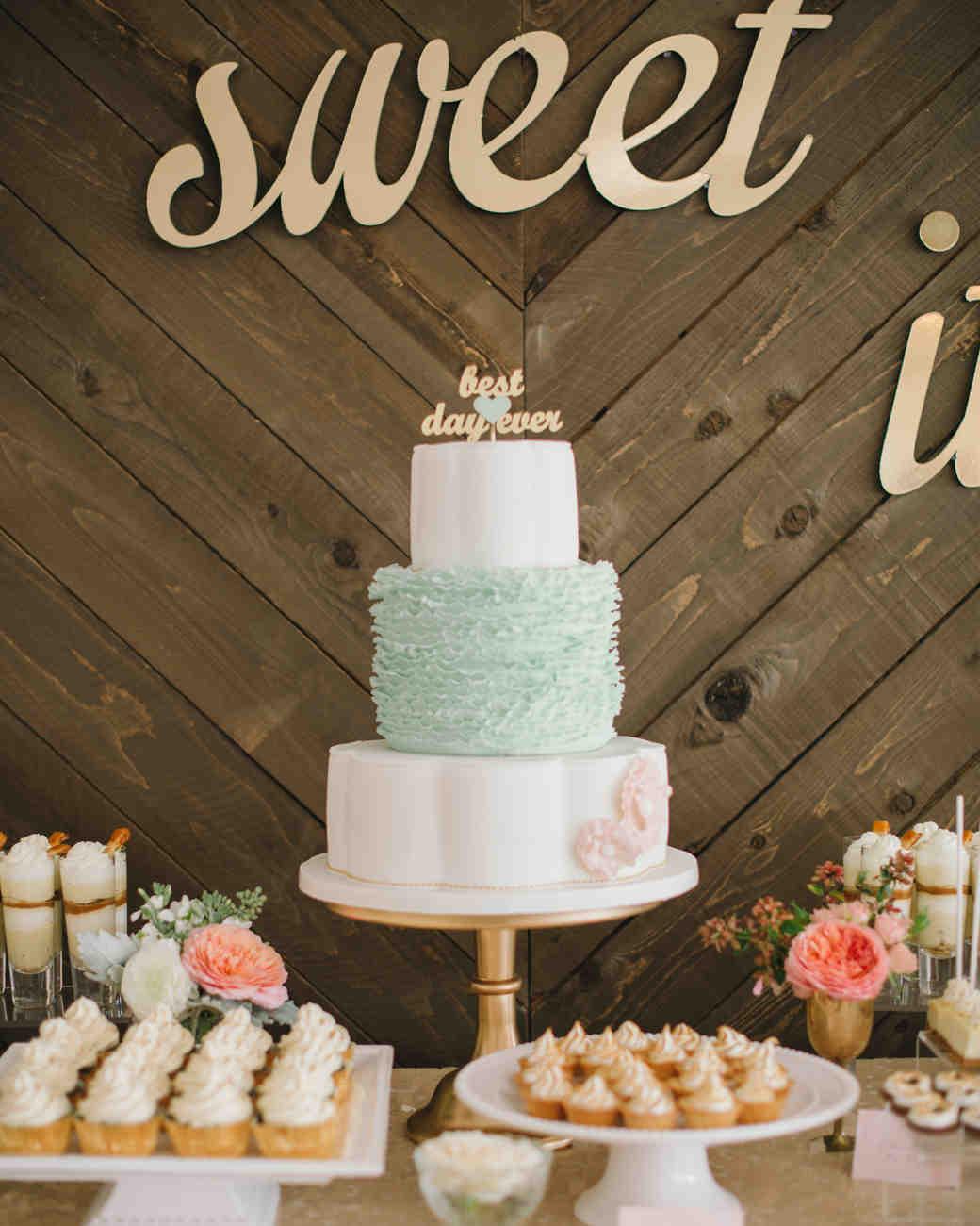 alex-brandon-wedding-cake-041-s111338-0714.jpg