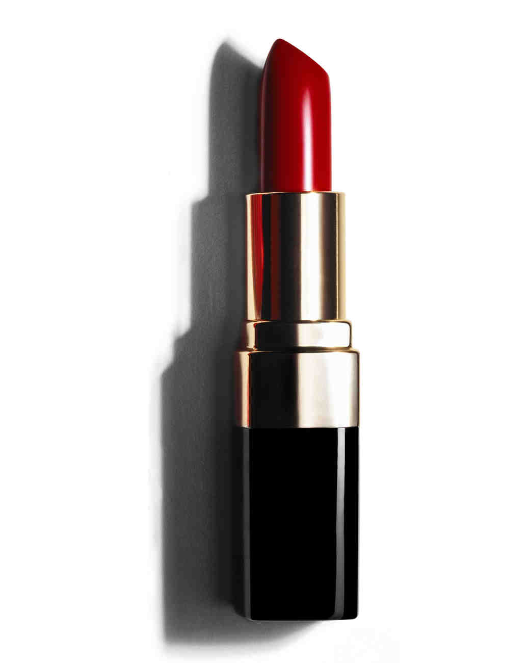 bobbibrown-lipcolor-shadehollywoodred-0814.jpg