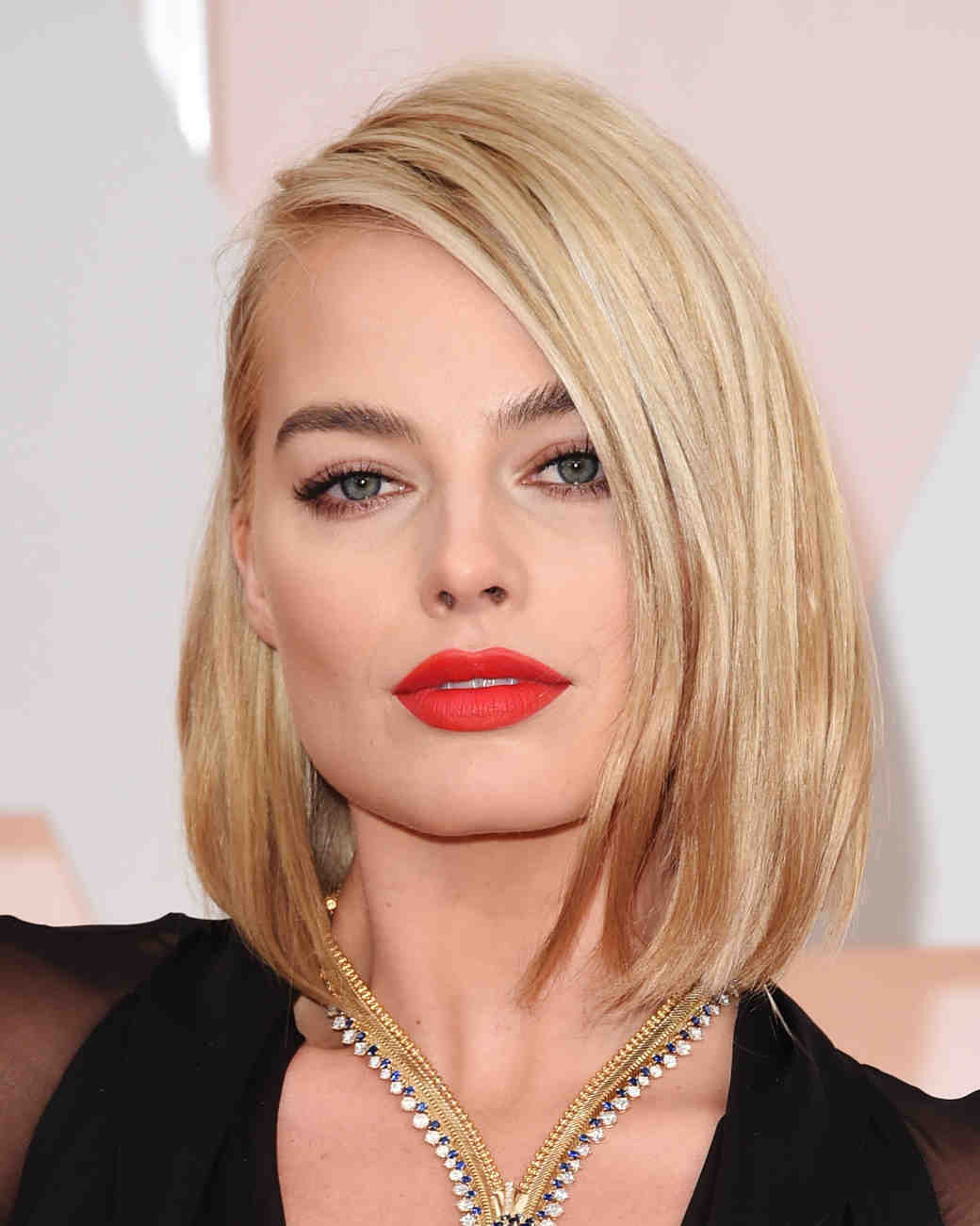 celebrity-wedding-makeup-margotrobbie-0915.jpg