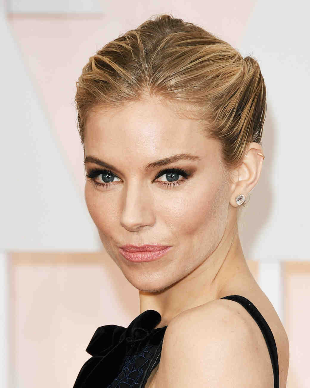 celebrity-wedding-makeup-siennamiller-0915.jpg