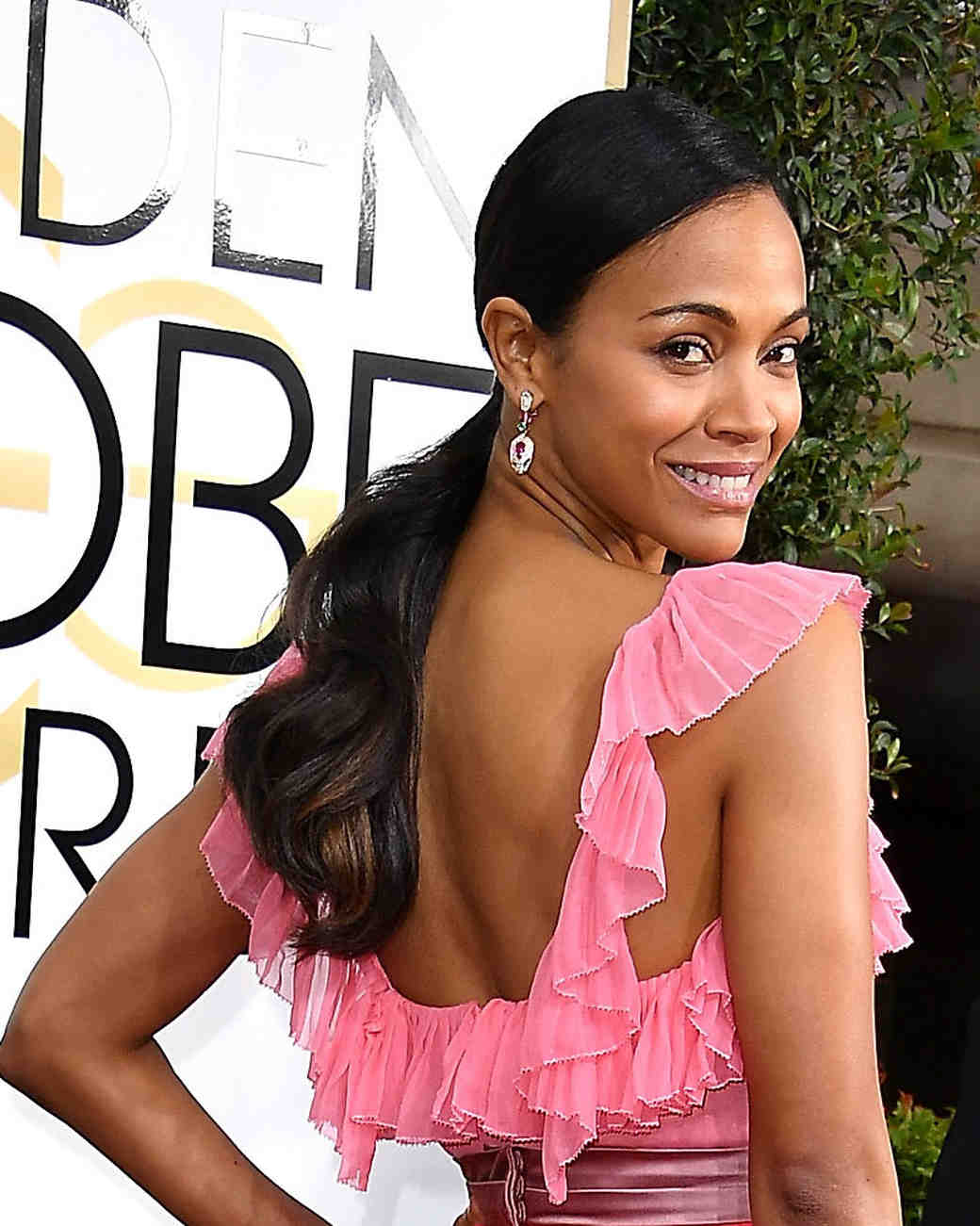 Zoe Saldana Beauty Look Golden Globes 2017