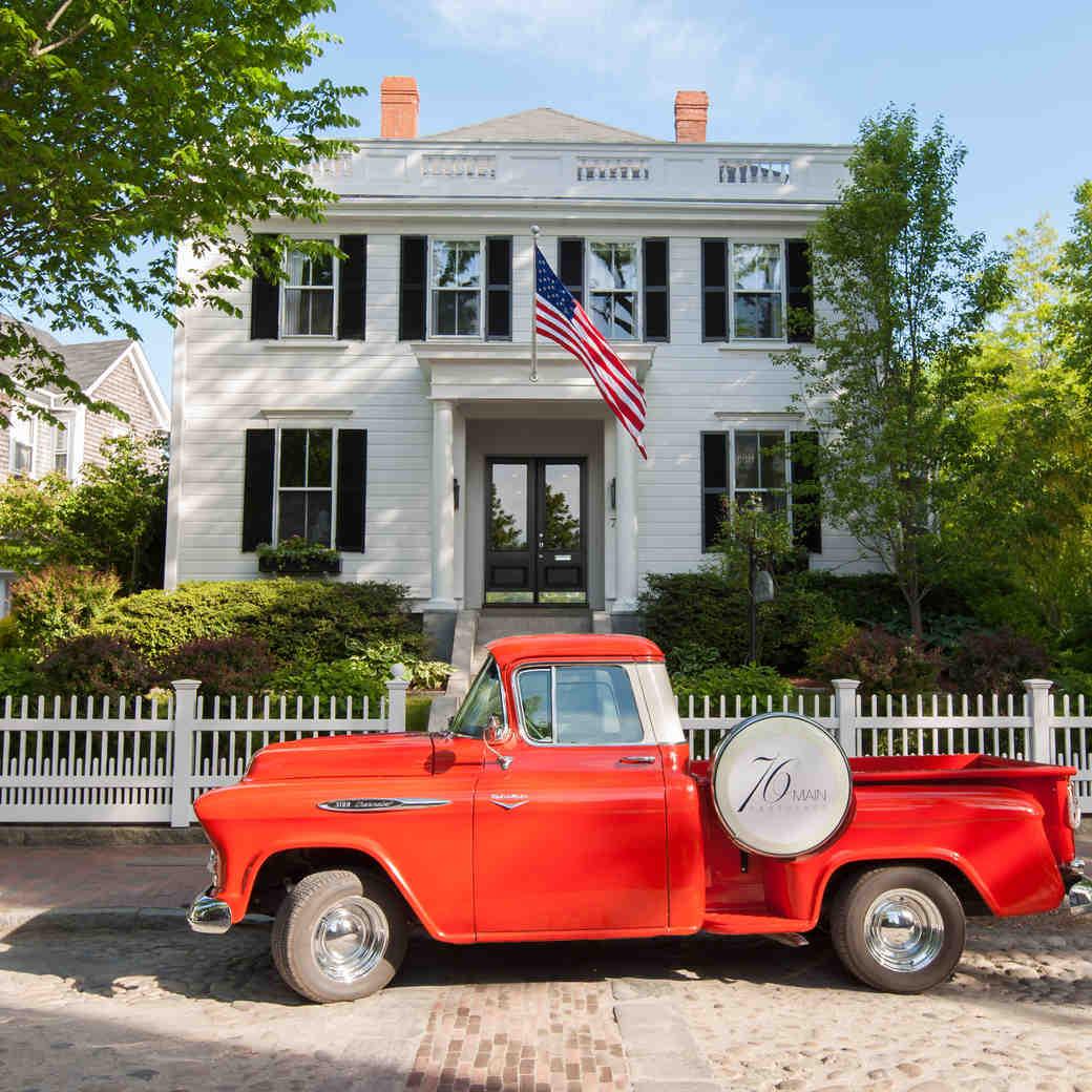3 Romantic Road Trip Ideas Across America for Your Honeymoon