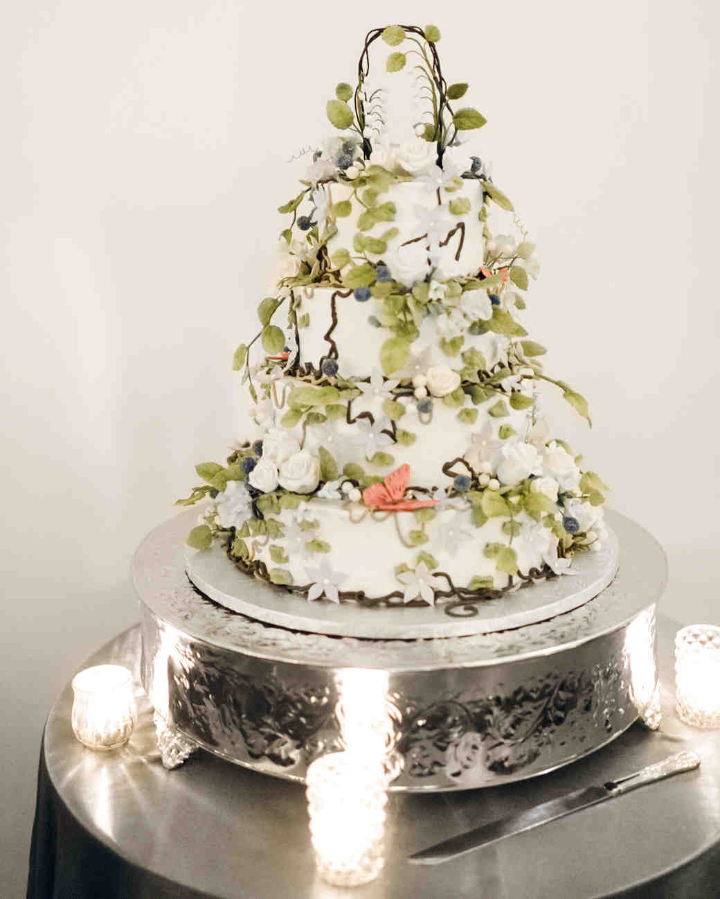 lilly-sean-wedding-cake-00551-s112089-0815.jpg