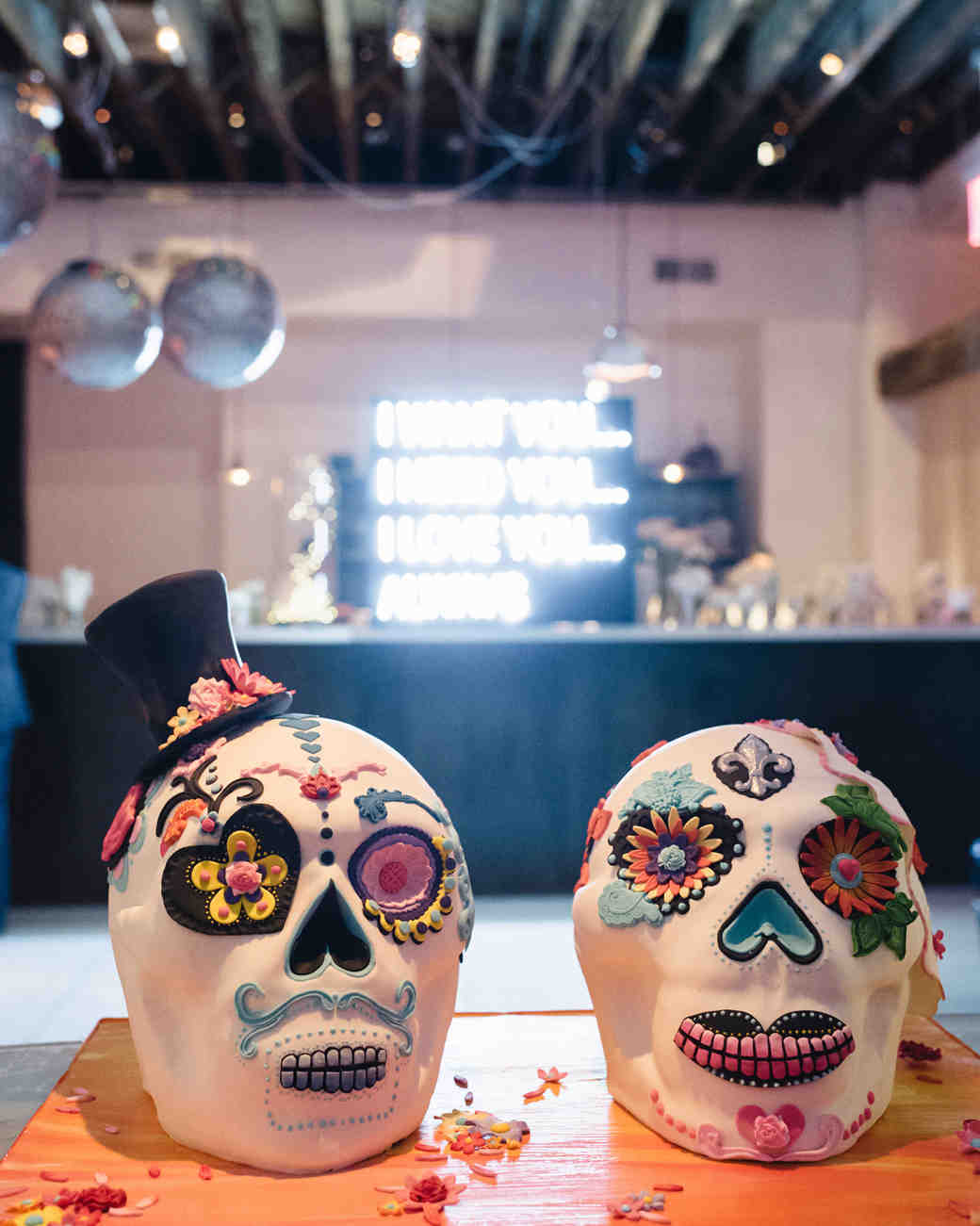 skull-shaped wedding cakes