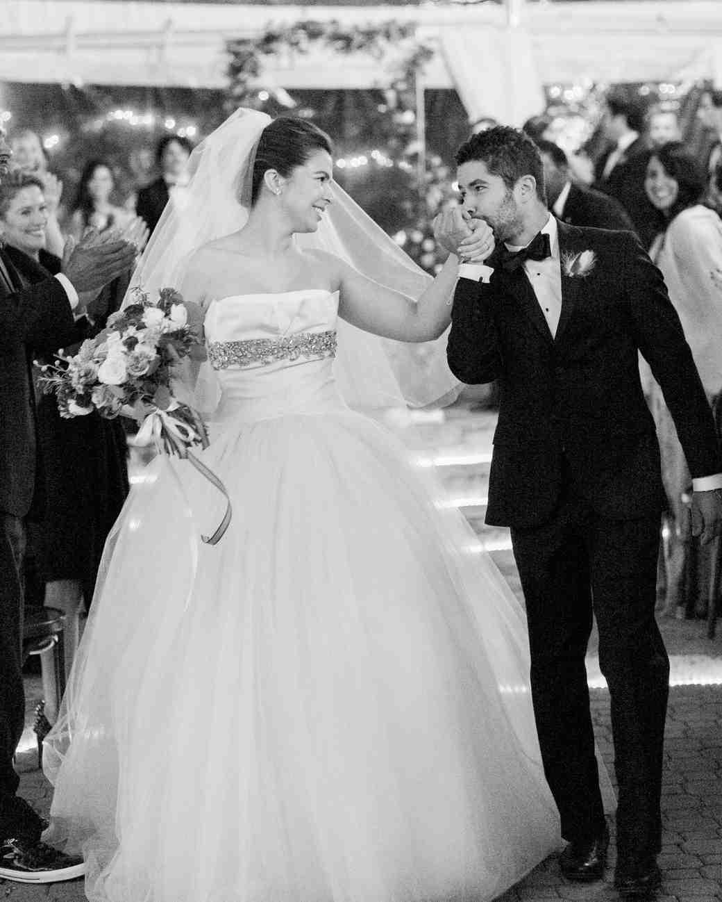 stacey-adam-wedding-kiss-0090-s112112-0815.jpg