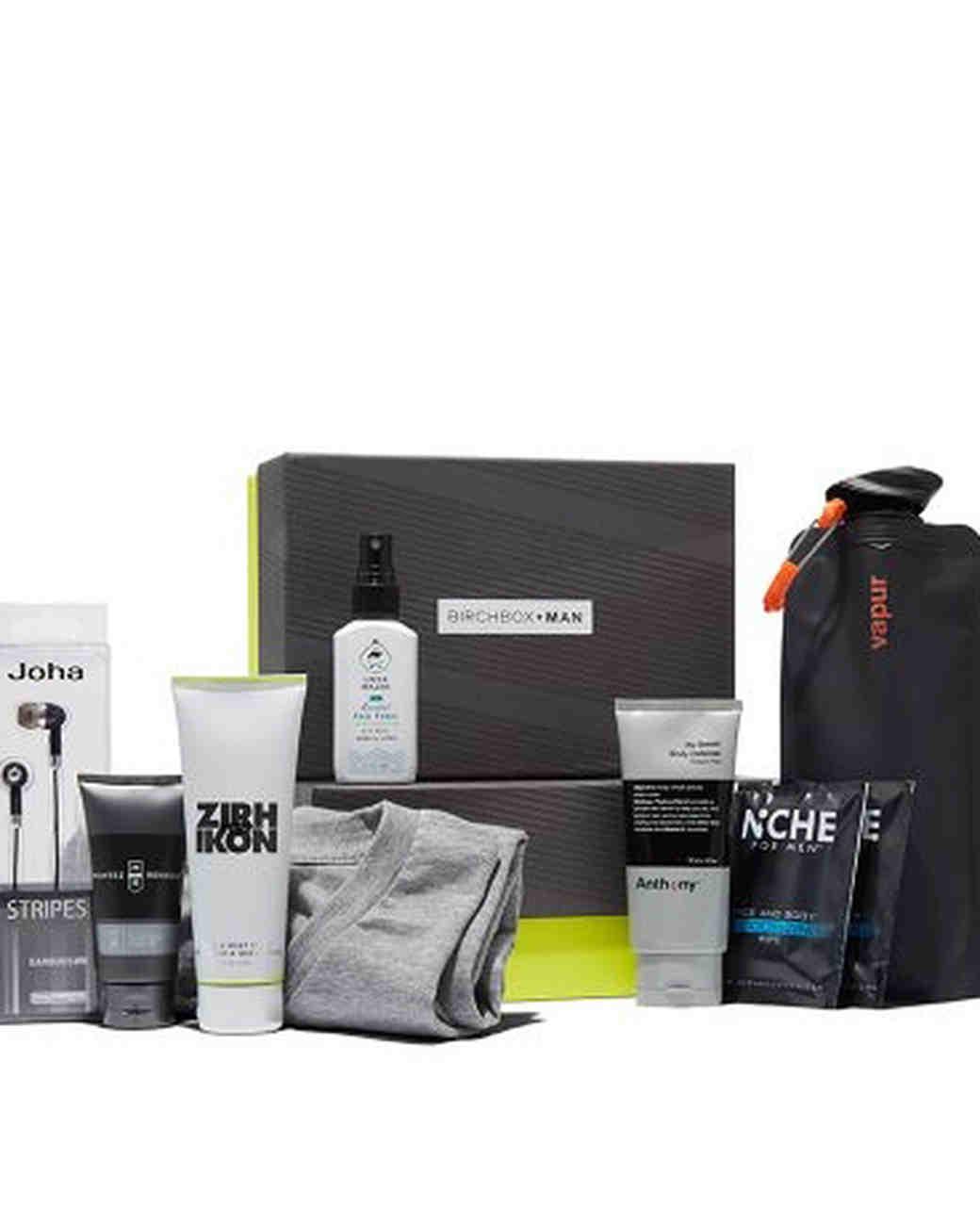 grooms-gift-birchbox-smart-workout-set-0616.jpg