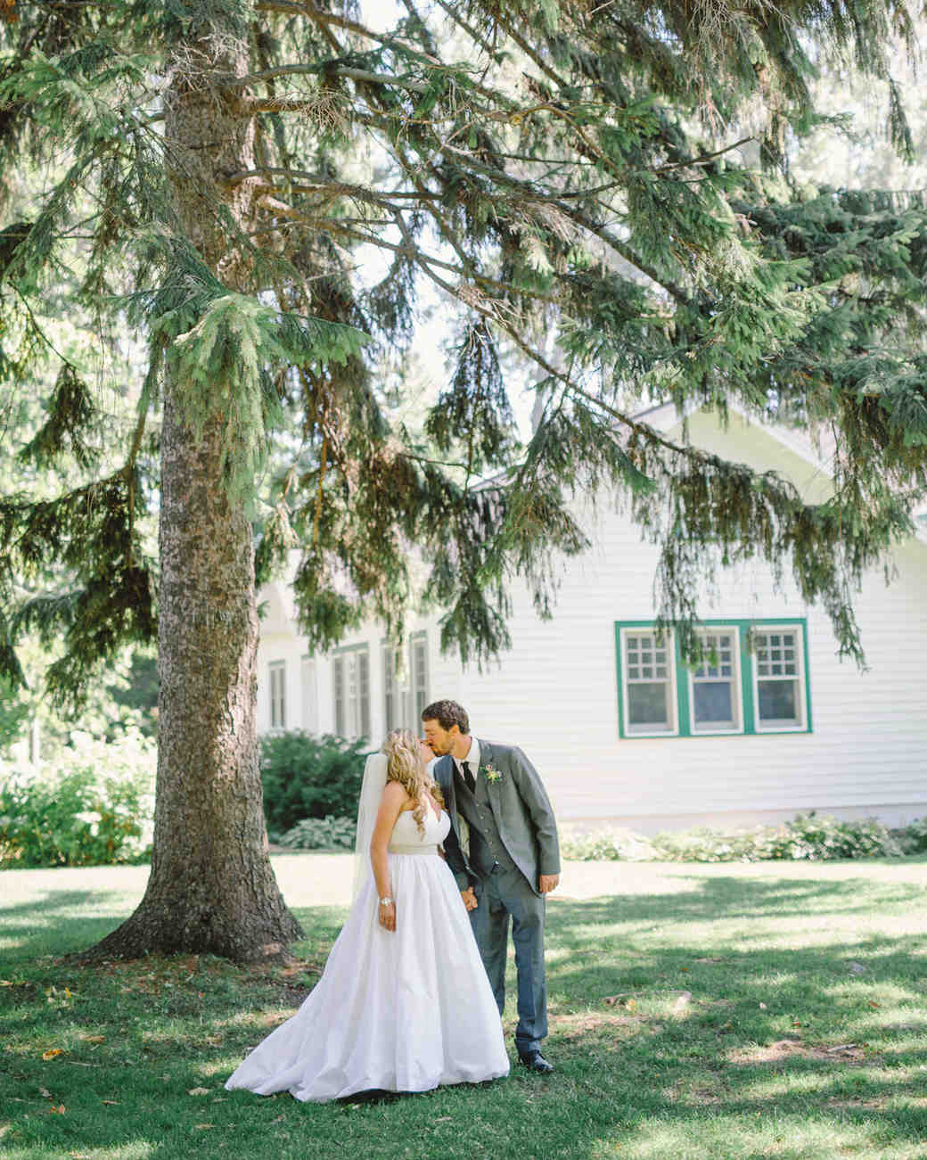 lizzy-bucky-wedding-couple-248-s111857-0315.jpg