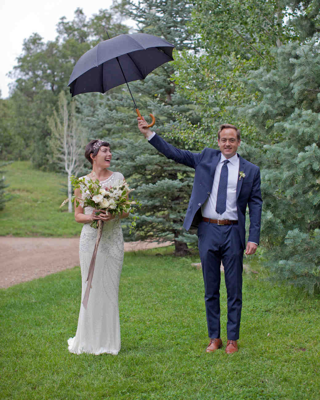 lizzy-pat-wedding-umbrella-050-s111777-0115.jpg