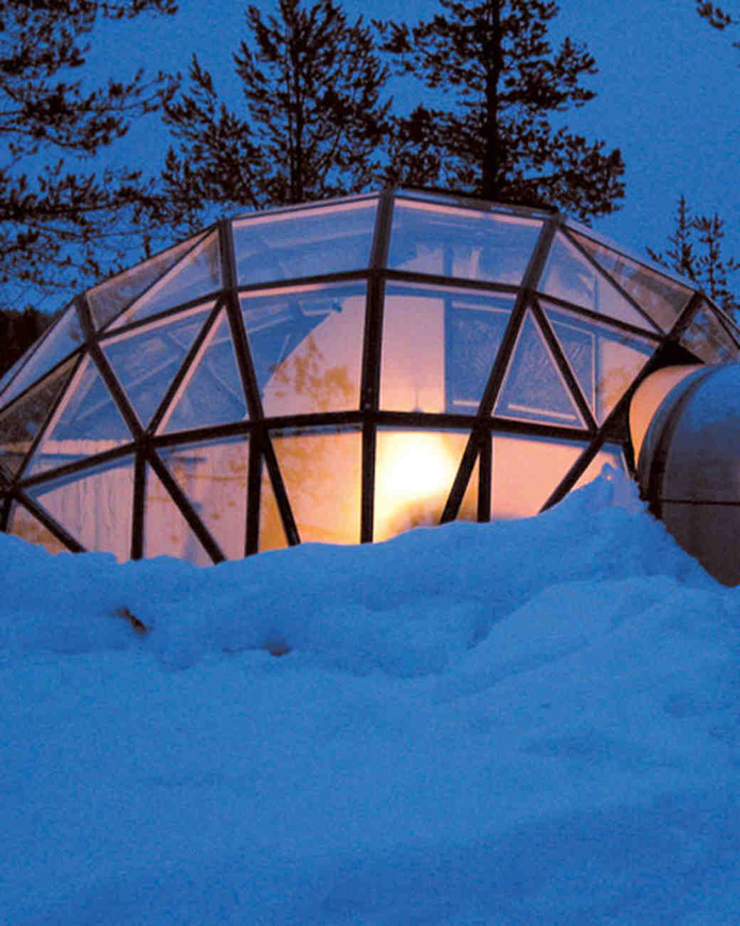 wds106403_sipl10_kak_hq_winter_glass_igloo2.jpg