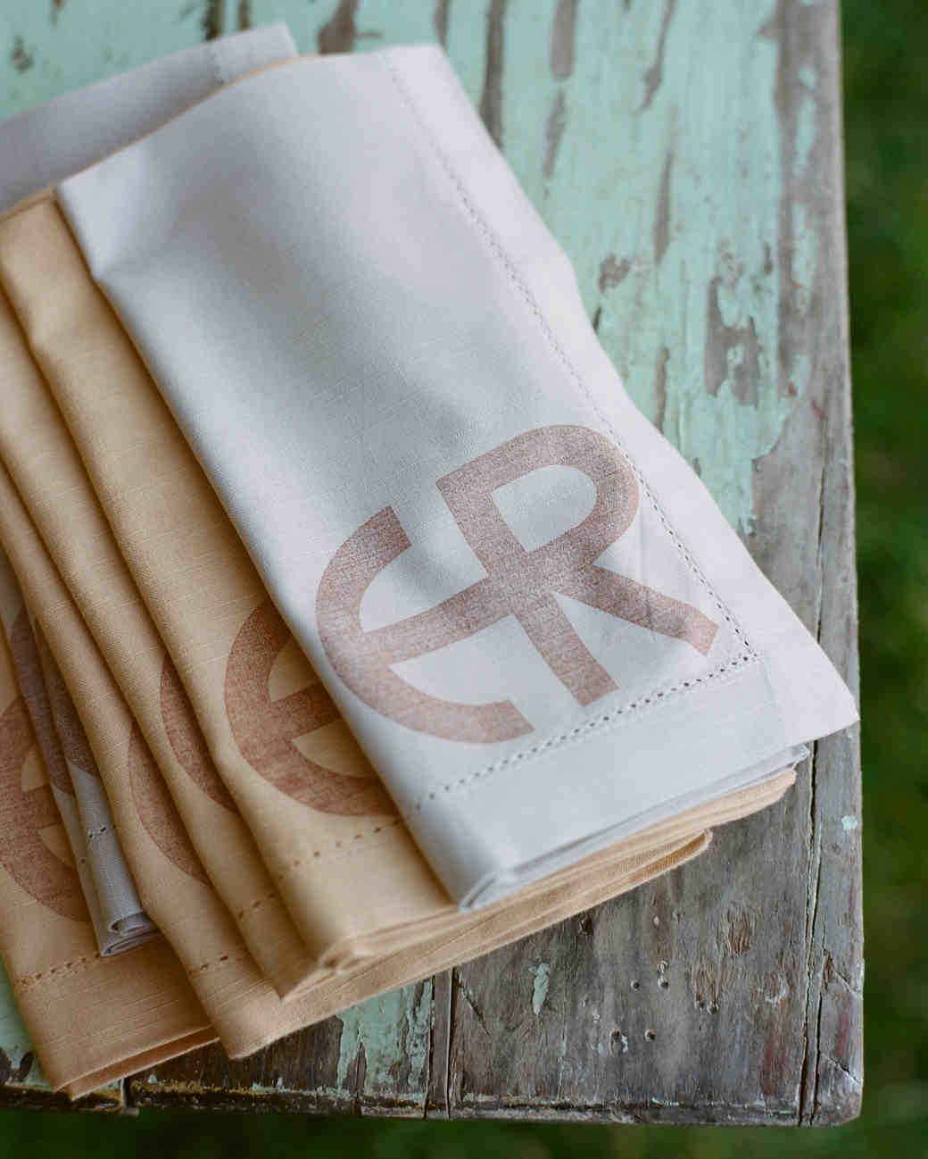 callie-eric-wedding-napkins-624-s112113-0815.jpg