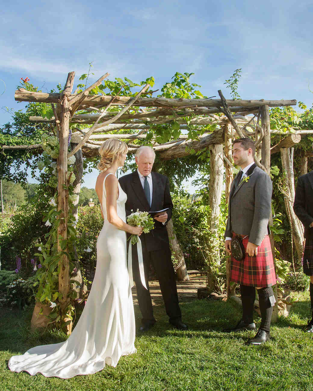 wedding ceremony outdoor kilt