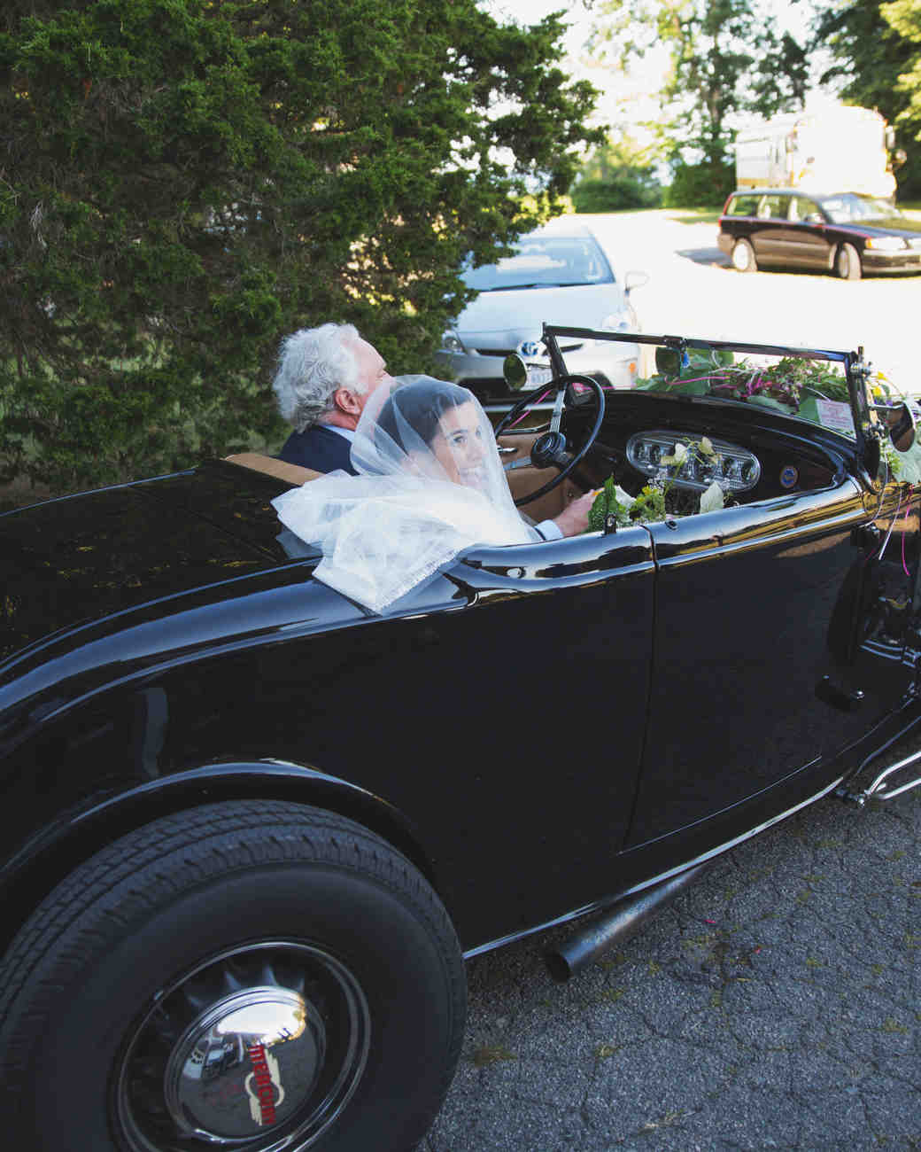 lilly-carter-wedding-car-00288-s112037-0715..jpg