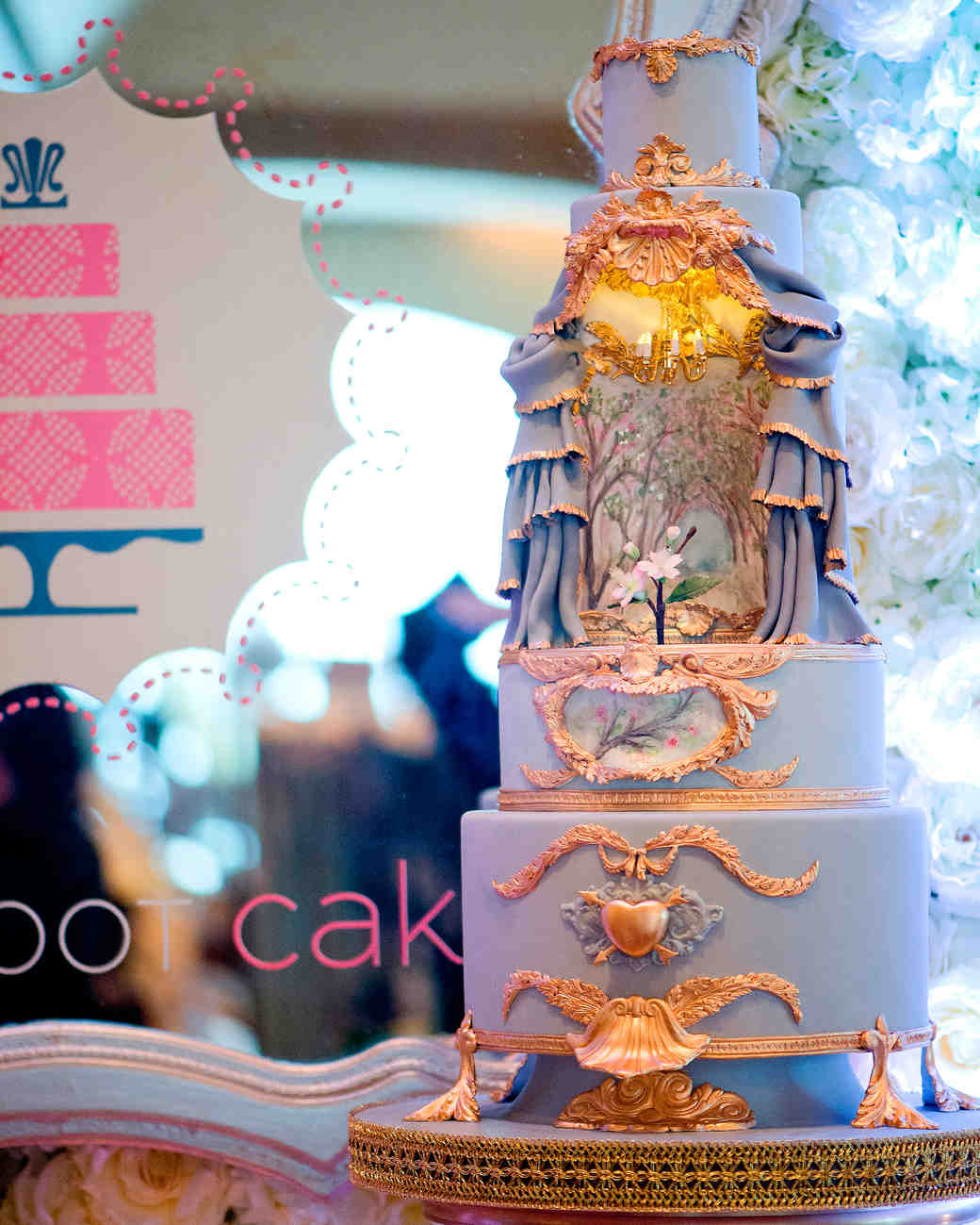 msw-chicago-party15-063-chandelier-cake-0315.jpg