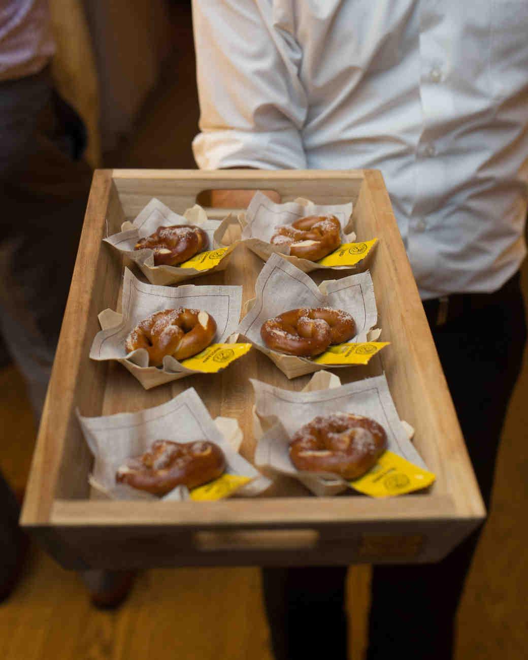 beth-scott-wedding-pretzels-1028-s112077-0715.jpg