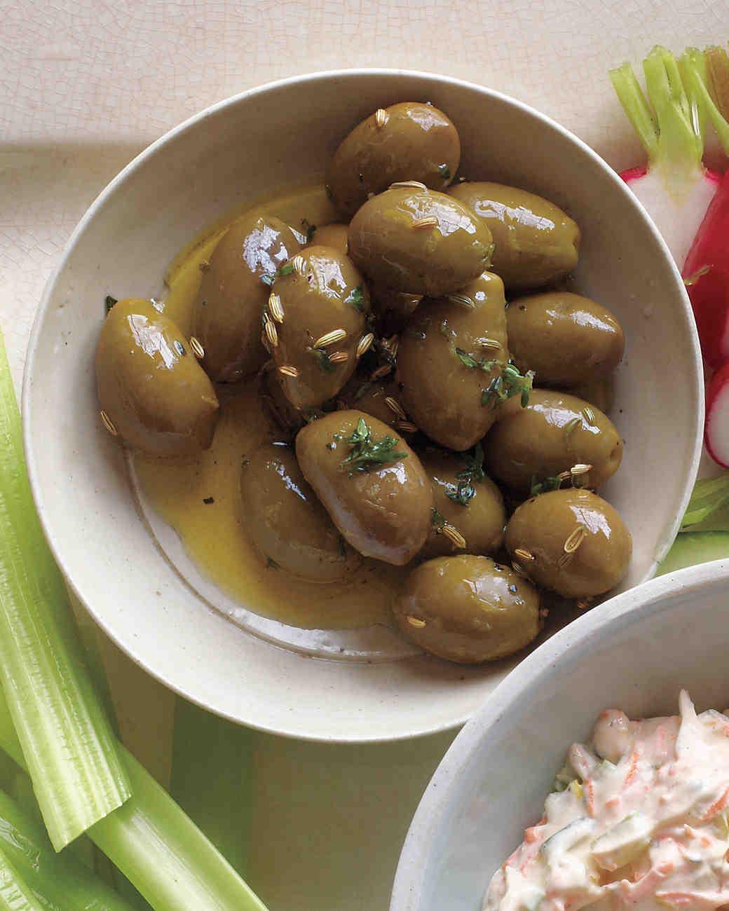 instant-party-herb-marinated-olives-med109000.jpg