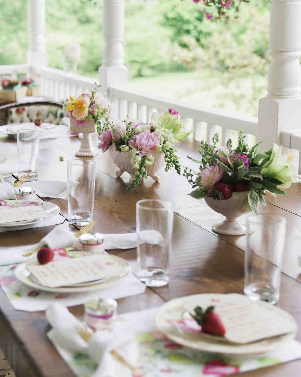 tablescape with flowers