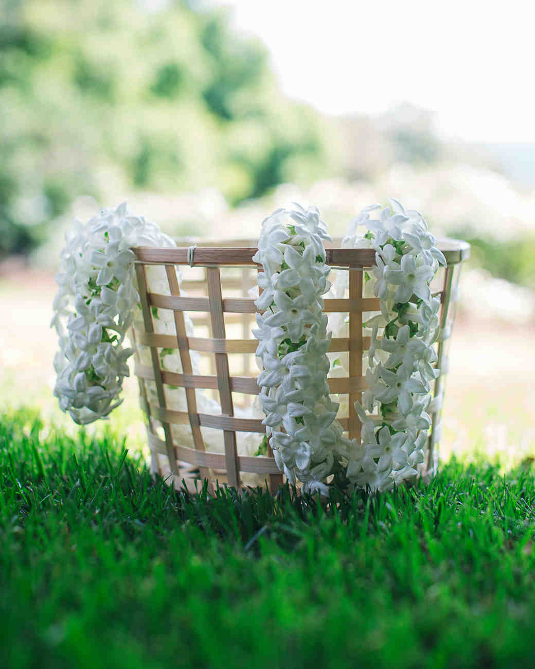 rosie-ambi-wedding-garlands-3374-s112501-0116.jpg