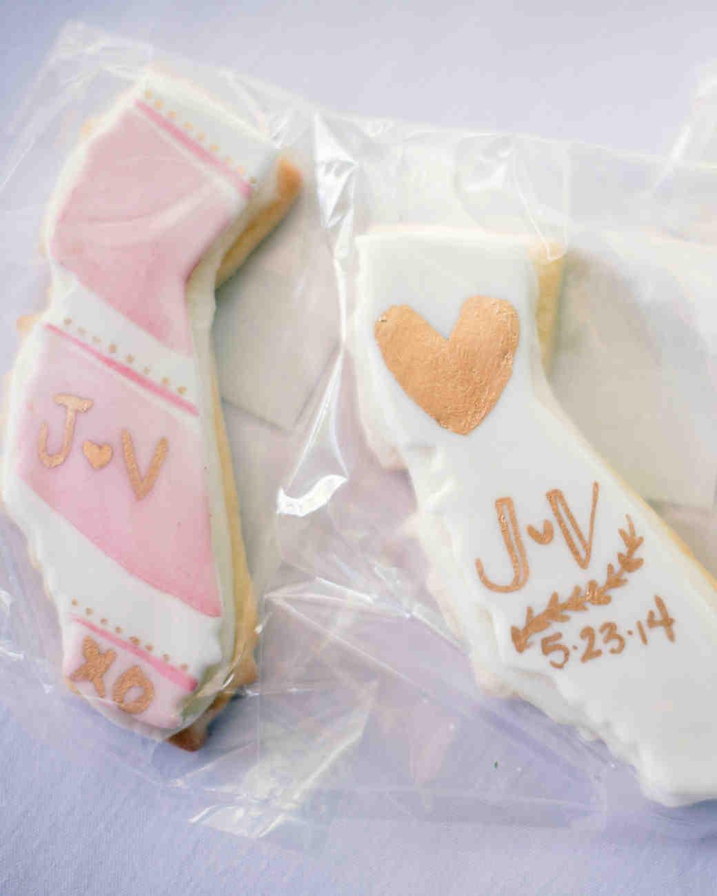 vanessa-joe-wedding-cookies-7956-s111736-1214.jpg