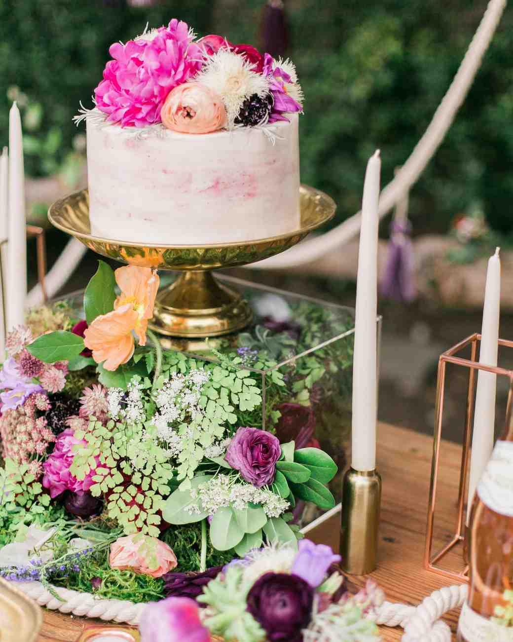 boho chic bachelorette cake party flowers