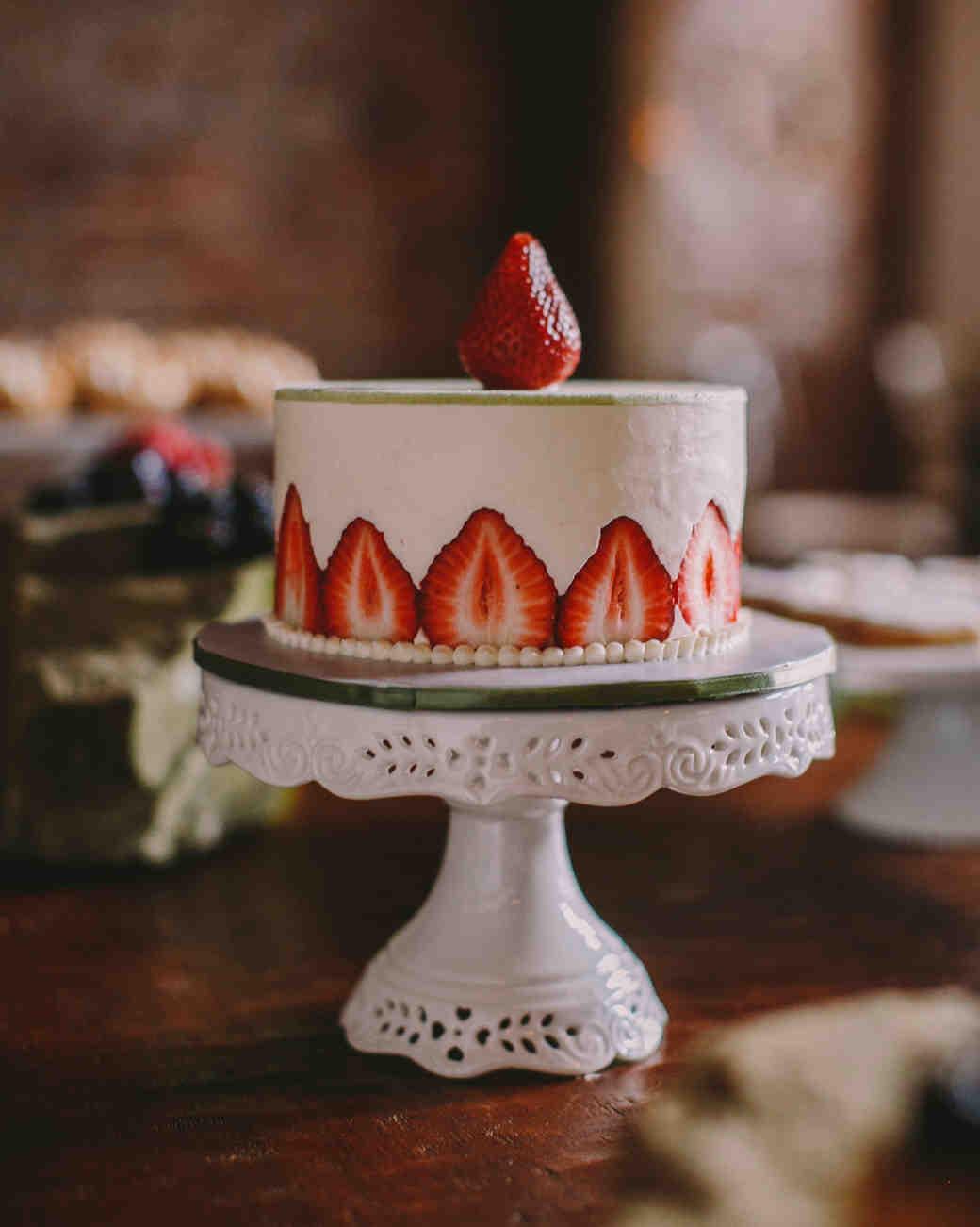 creative-cake-flavors-strawberry-fraisier-0116.jpg