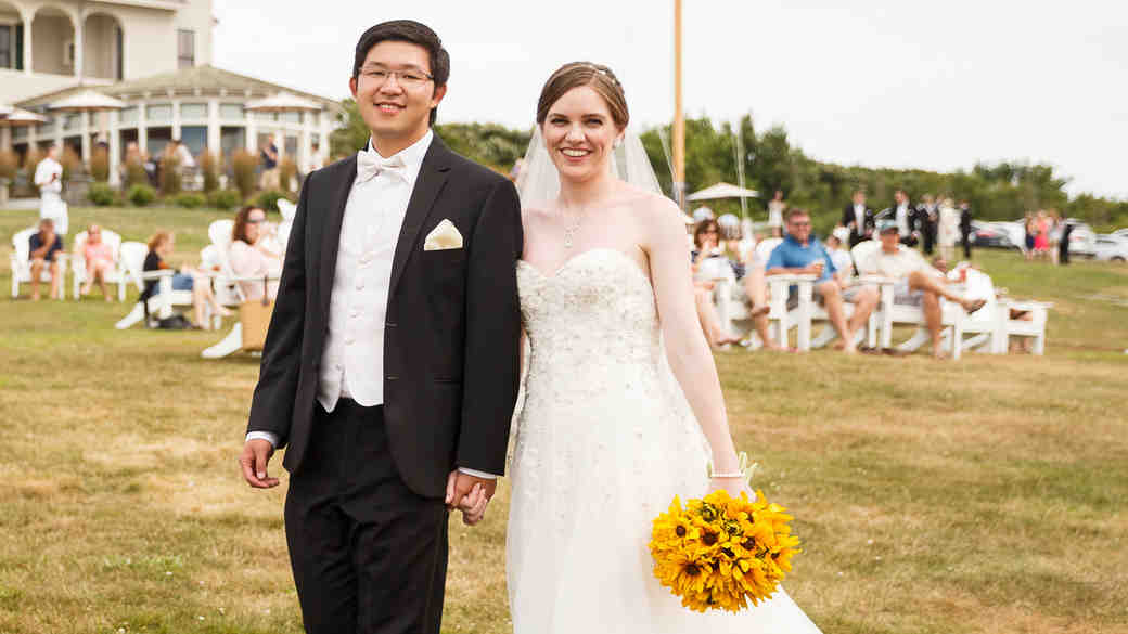 Kristel and Austin's Cheerful Wedding in Newport
