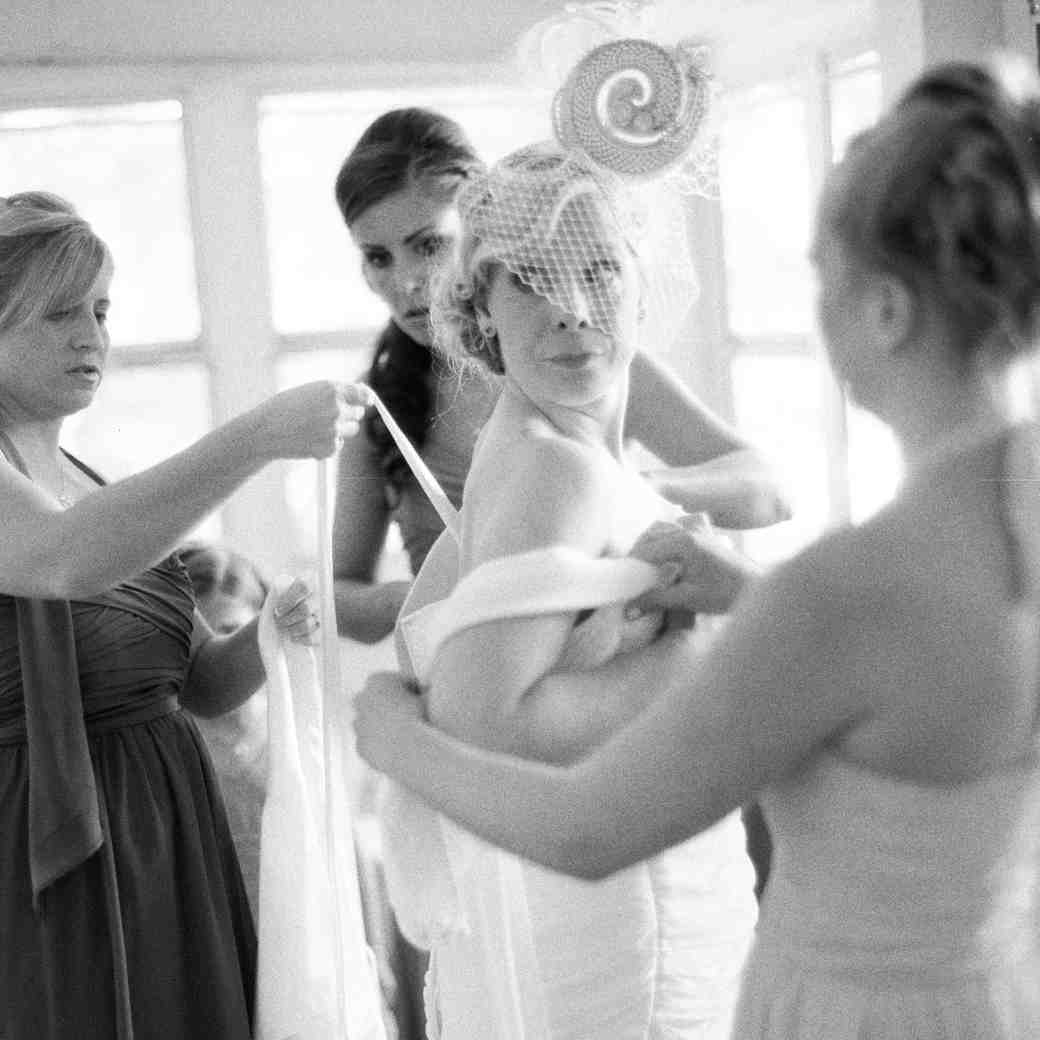 12 Things Every Bride Should Have with Her on the Wedding Day