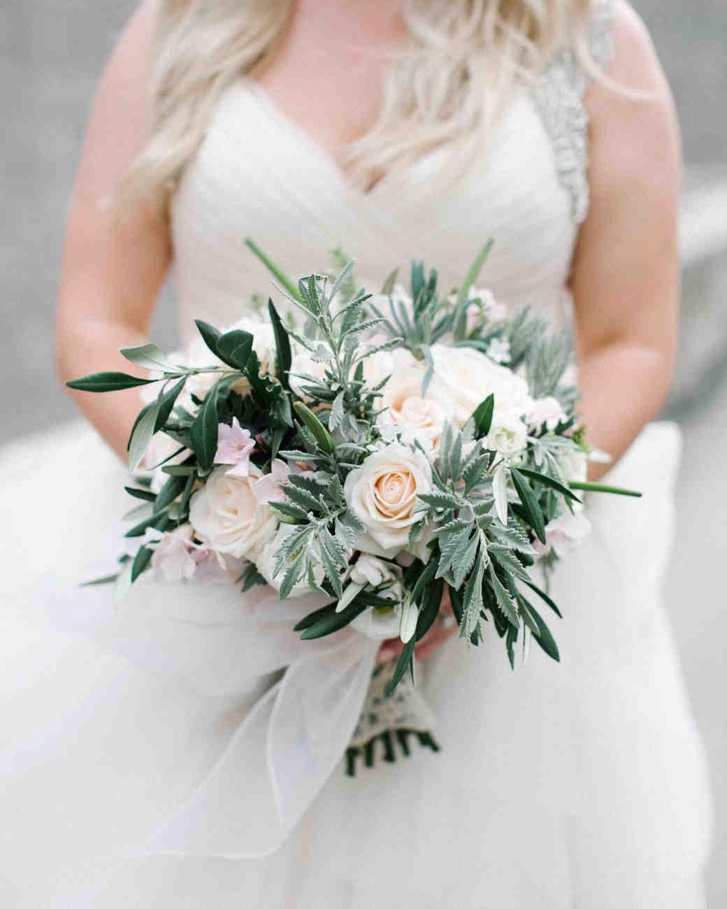 melissa-mike-wedding-bouquet-0135-s112764-0316.jpg