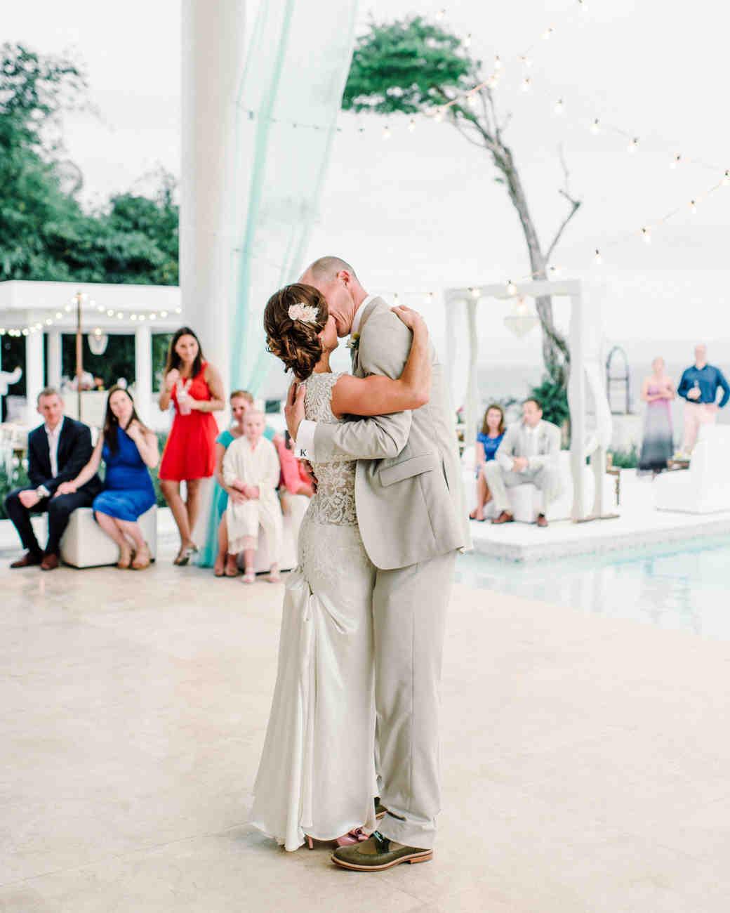 molly-nate-wedding-firstdance-195-s111479-0814.jpg