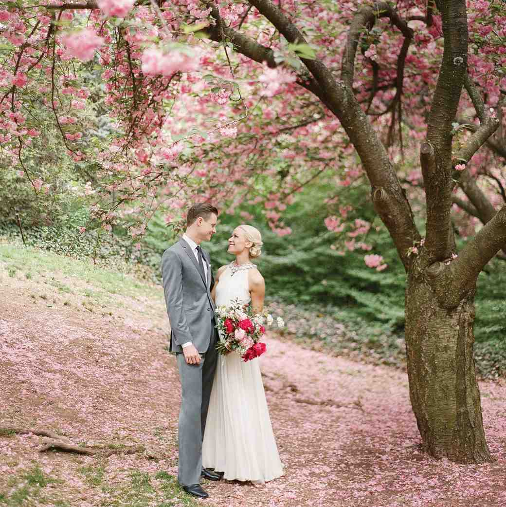 How to Bring Elements of Spring Into Your Wedding