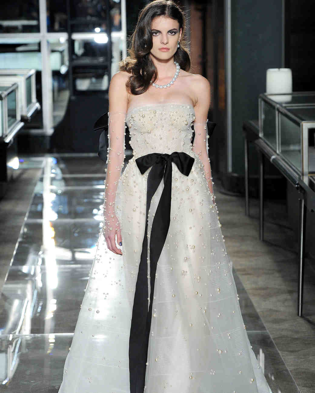 reem acra spring 2018 a-line wedding dress with black bow