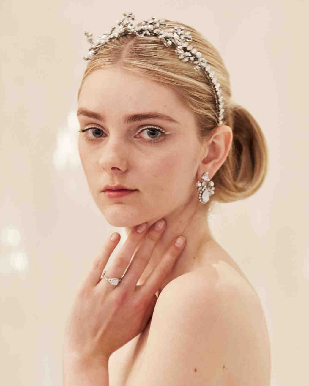 bridal-hair-adornments-spring2016-marchesa-0415.jpg