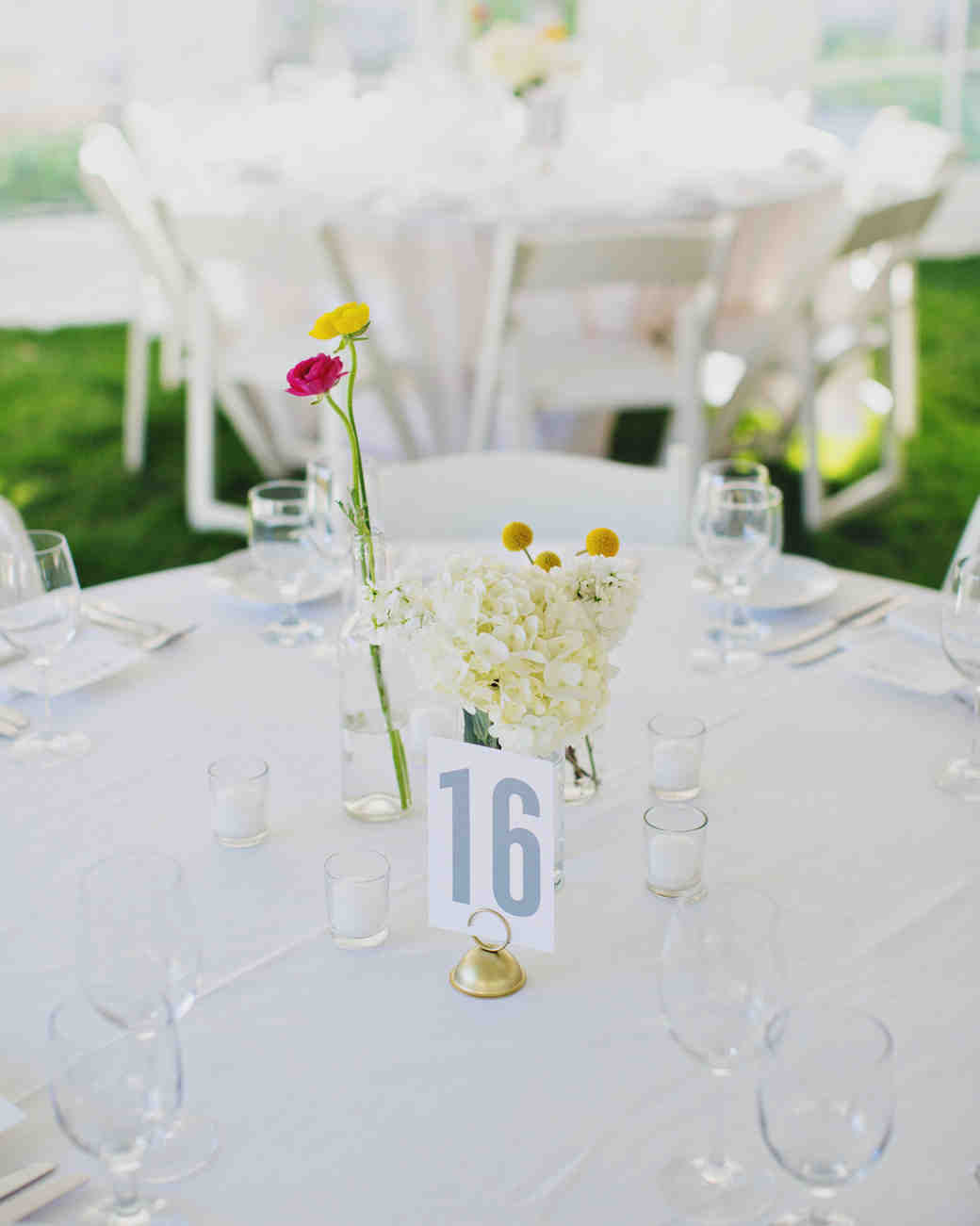 affordable wedding centerpieces that don't look cheap  martha, Beautiful flower