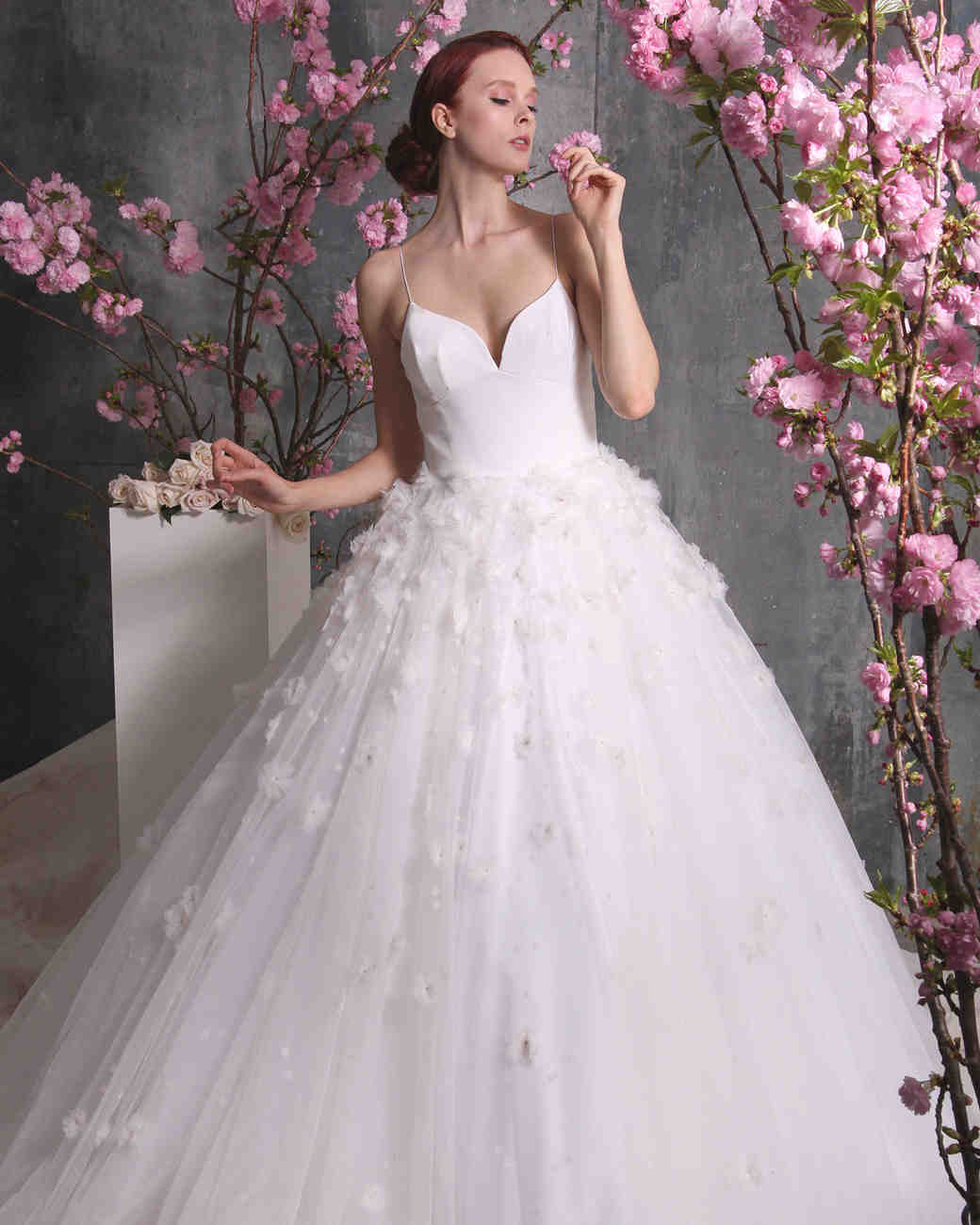 Christian siriano spring 2018 wedding dress collection for Spring wedding dresses 2018