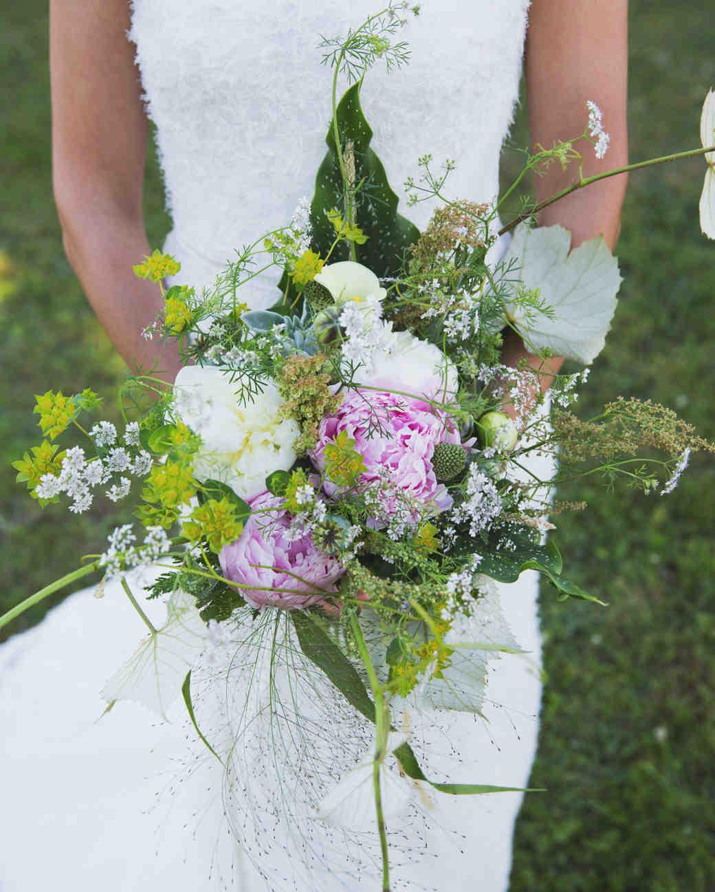 lilly-carter-wedding-bouquet-00220-s112037-0715.jpg